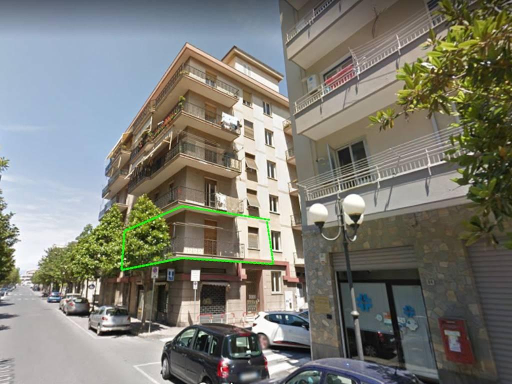 Appartamento in vendita a Albenga, 4 locali, prezzo € 110.000 | PortaleAgenzieImmobiliari.it