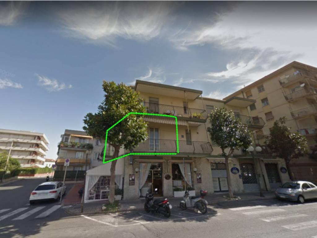 Appartamento in vendita a Albenga, 6 locali, prezzo € 138.000 | PortaleAgenzieImmobiliari.it