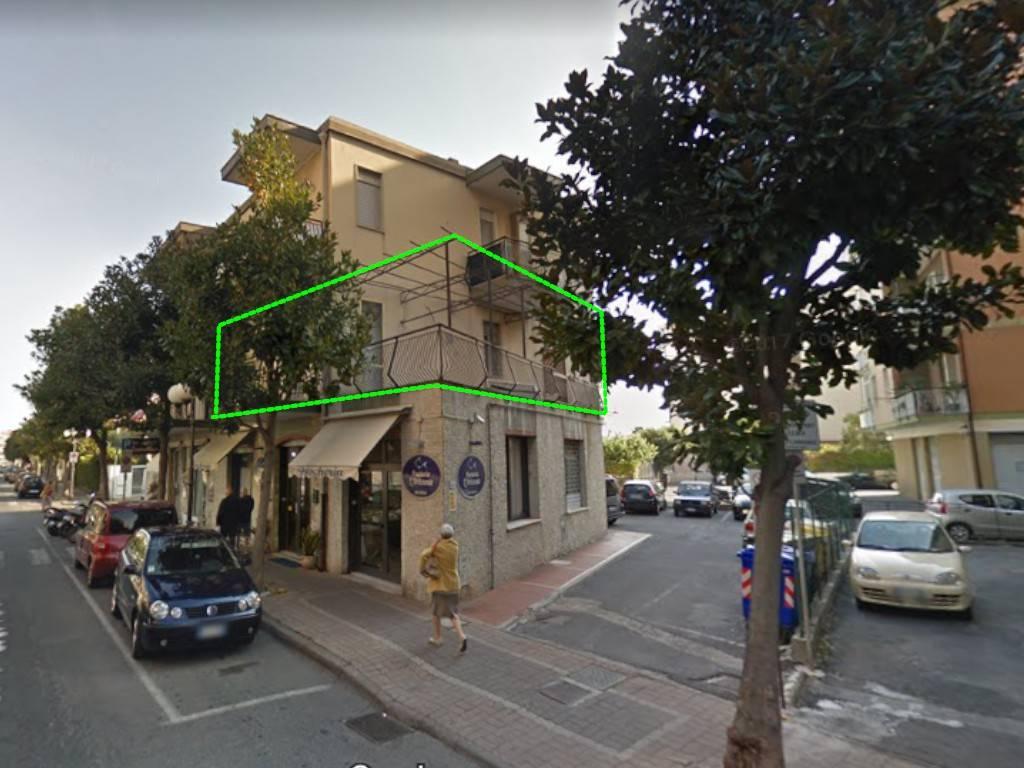 Appartamento in vendita a Albenga, 3 locali, prezzo € 160.000 | PortaleAgenzieImmobiliari.it
