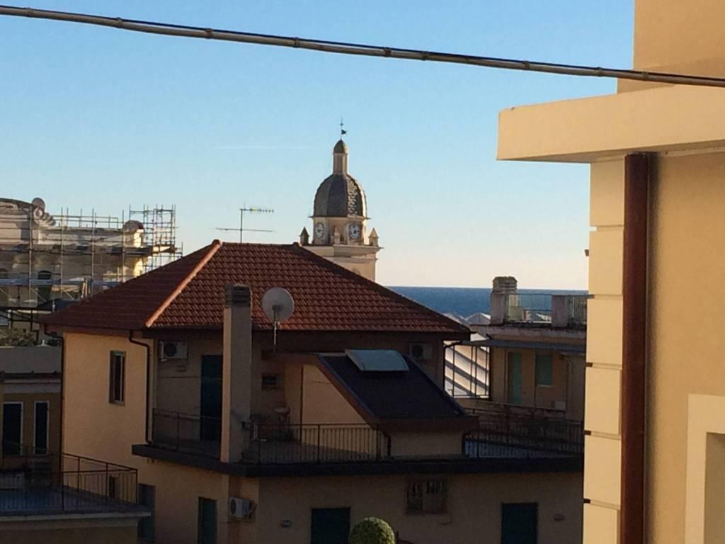 Appartamento in vendita a Alassio, 3 locali, prezzo € 310.000 | CambioCasa.it