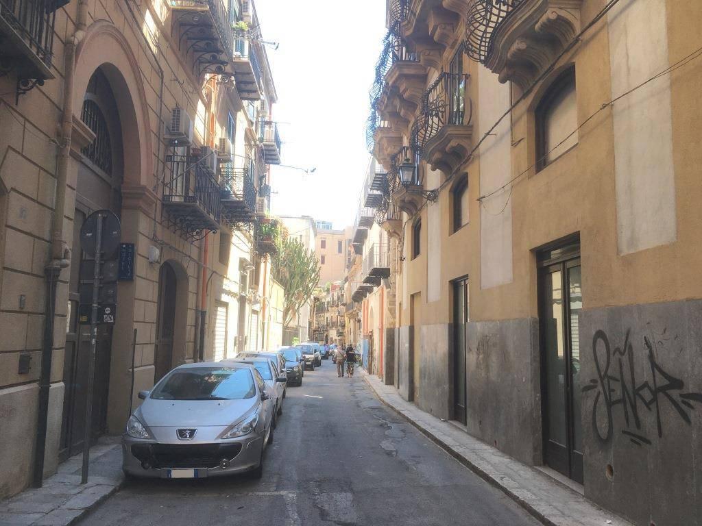 Appartamento in Vendita a Palermo Centro: 5 locali, 190 mq