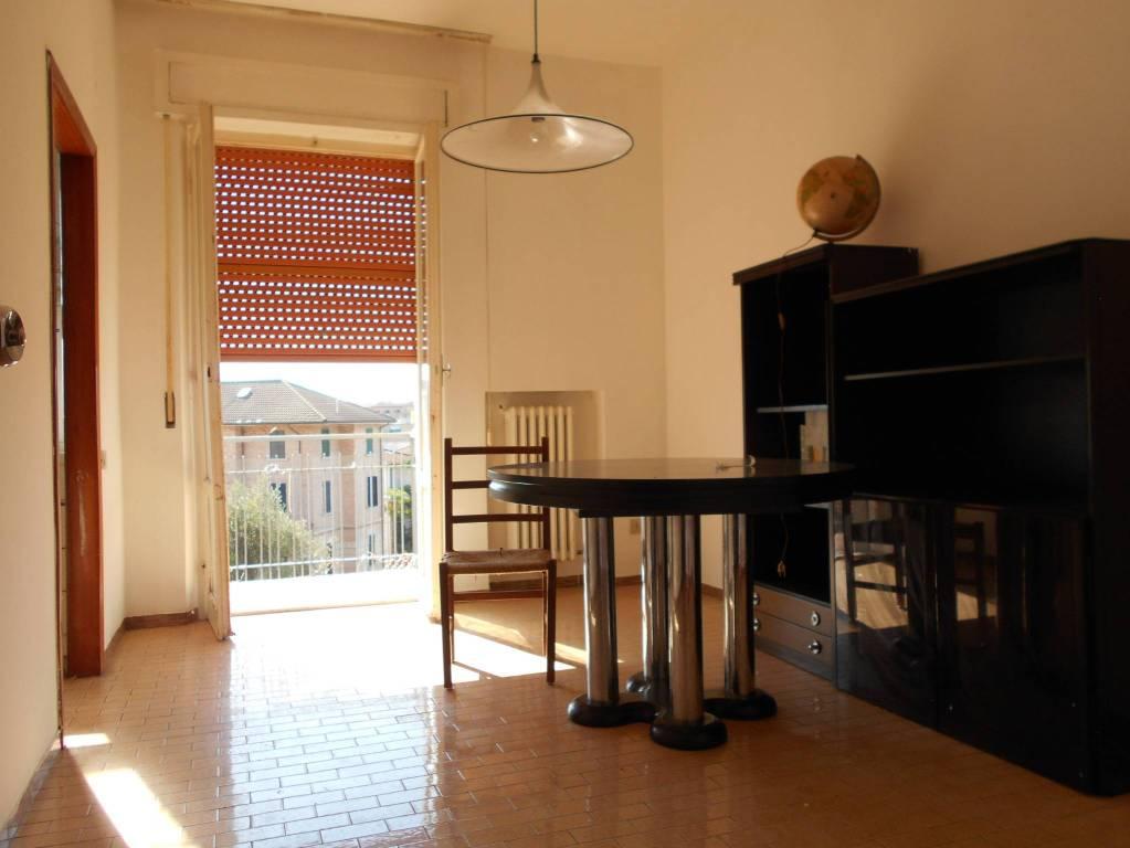 Appartamento in buone condizioni in vendita Rif. 9269371