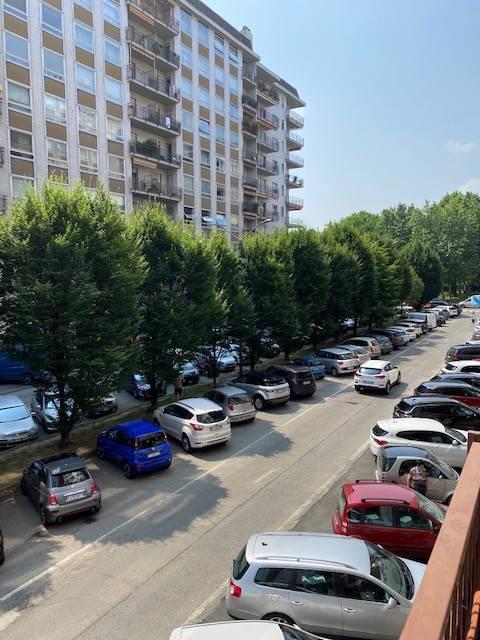 Appartamento in affitto a Torino, 5 locali, zona Pozzo Strada, Parella, prezzo € 900 | PortaleAgenzieImmobiliari.it