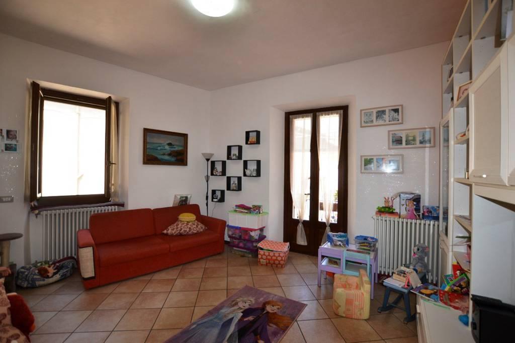 Appartamento in vendita a Candelo, 5 locali, prezzo € 110.000 | PortaleAgenzieImmobiliari.it