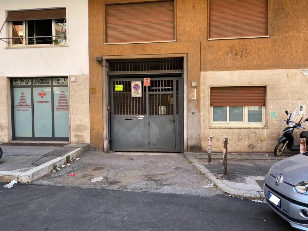 Box / Garage in vendita a Roma, 9999 locali, zona Zona: 23 . Portuense - Magliana, prezzo € 150.000 | CambioCasa.it
