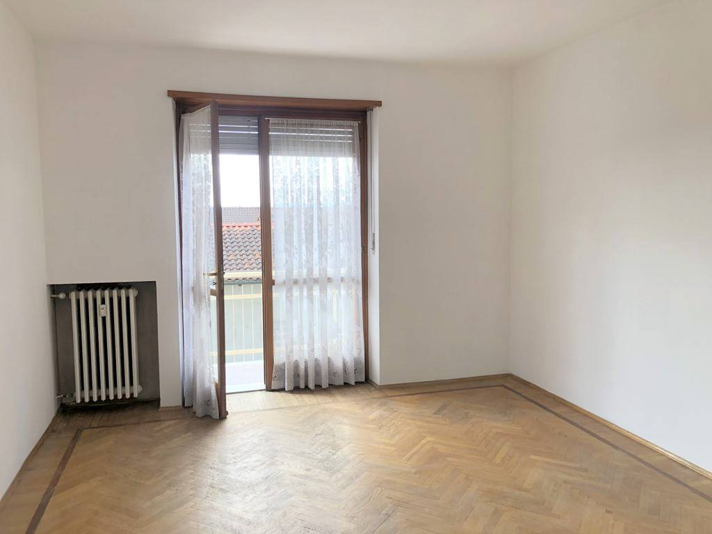Appartamento in vendita a Rondissone, 4 locali, prezzo € 89.000 | CambioCasa.it