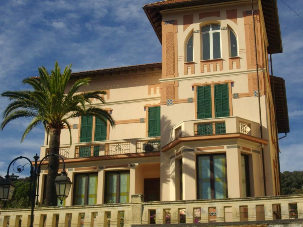 Appartamento in vendita a Alassio, 5 locali, prezzo € 695.000 | PortaleAgenzieImmobiliari.it