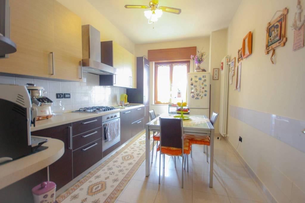 Appartamento in vendita a Vicenza, 4 locali, prezzo € 128.000   CambioCasa.it