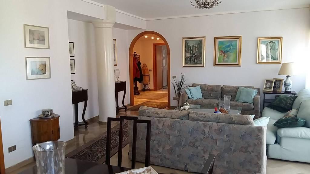 Via Villa S G.nni, attico di mq 200ca oltre verande, ottime condizioni, vista mare Euro 290mila CL , foto 1
