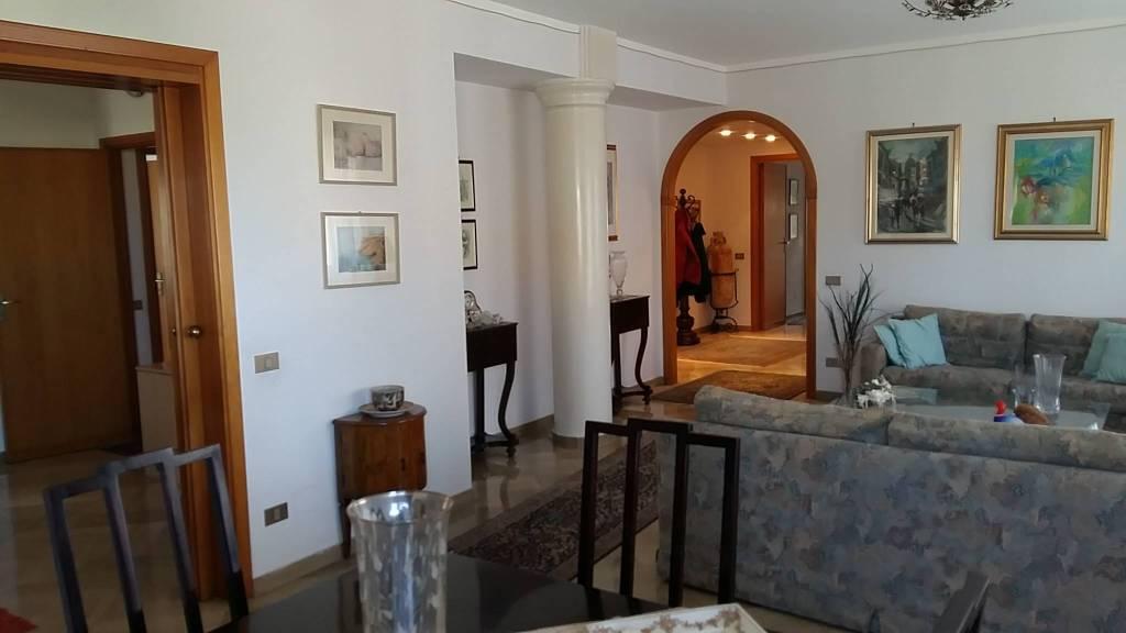 Via Villa S G.nni, attico di mq 200ca oltre verande, ottime condizioni, vista mare Euro 290mila CL , foto 2