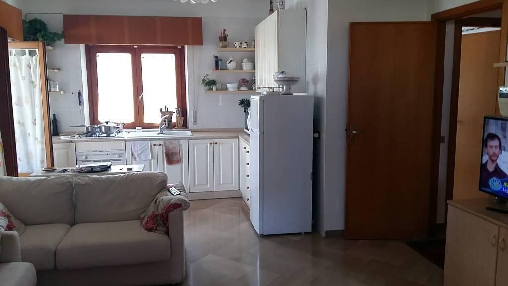 Via Villa S G.nni, attico di mq 200ca oltre verande, ottime condizioni, vista mare Euro 290mila CL , foto 8