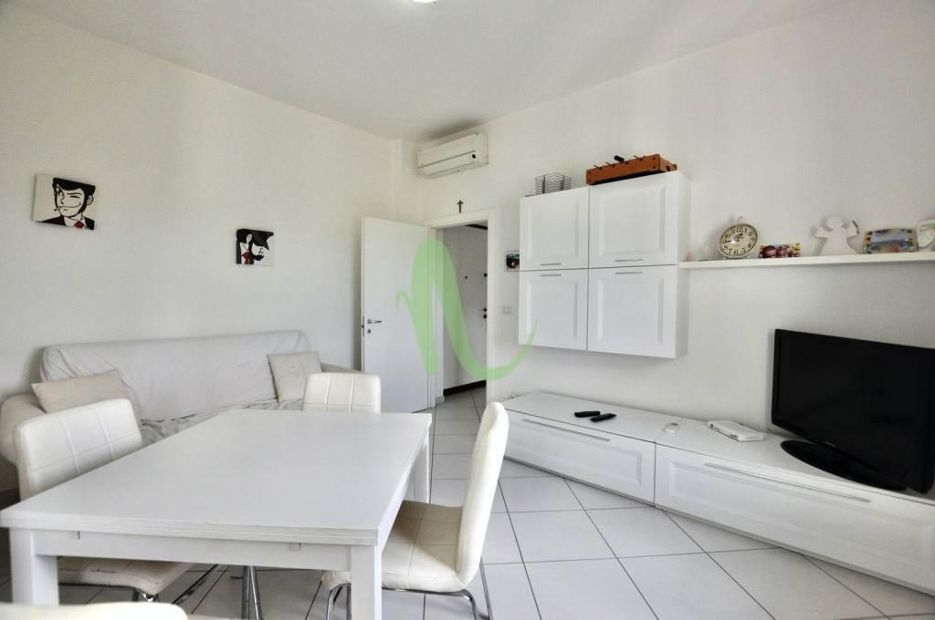 Appartamento in Vendita a Cesenatico Centro: 3 locali, 54 mq