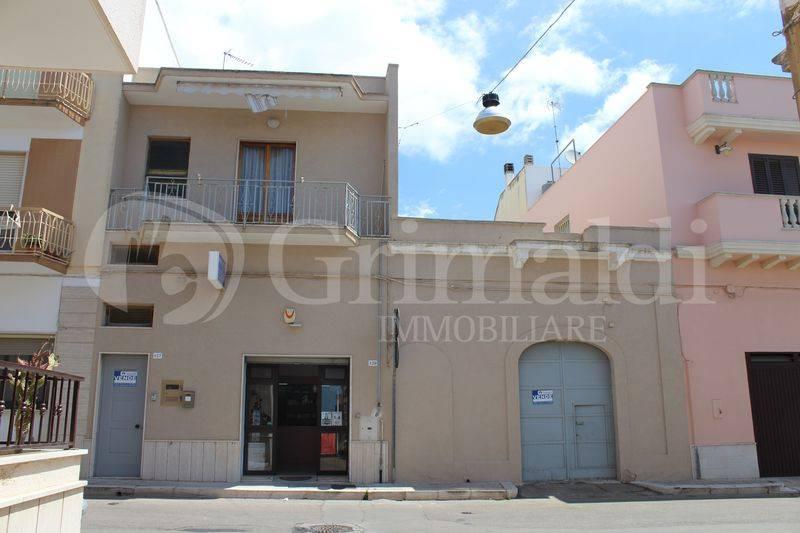 Casa indipendente in Vendita a Tuglie Centro:  5 locali, 230 mq  - Foto 1