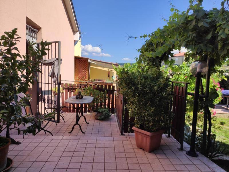 Villa in vendita a Muggia, 3 locali, prezzo € 295.000 | CambioCasa.it