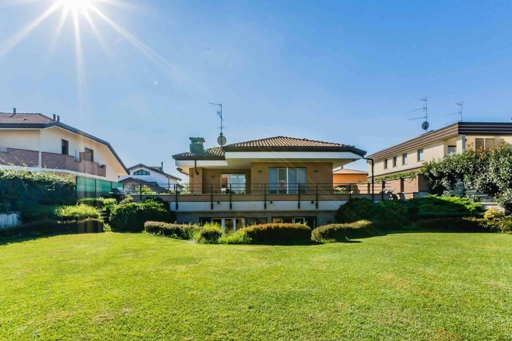 Villa in vendita a Lainate, 2 locali, prezzo € 848.000 | CambioCasa.it