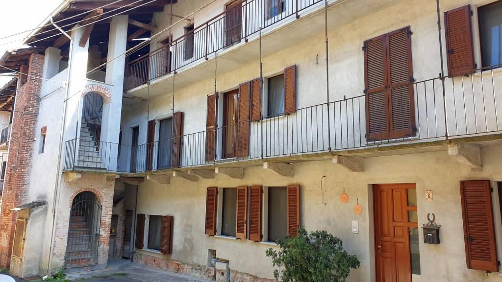 Soluzione Indipendente in vendita a Lozzolo, 4 locali, prezzo € 140.000 | CambioCasa.it