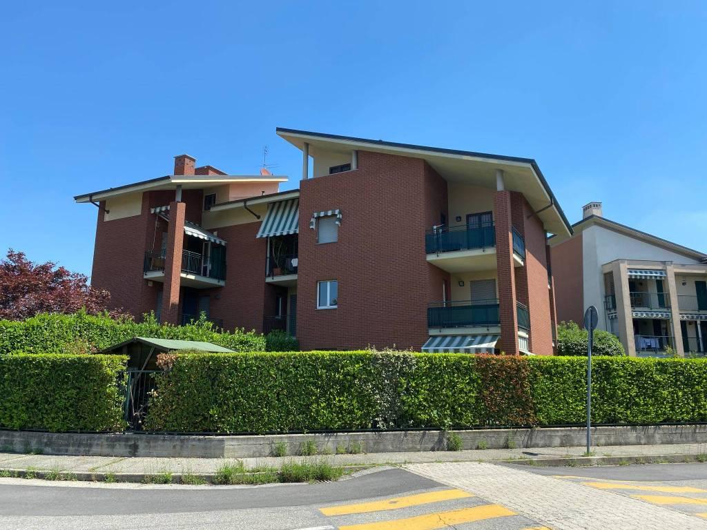 Appartamento in vendita a Beinasco, 3 locali, prezzo € 136.000   CambioCasa.it