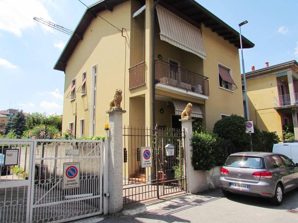 Villa in vendita a Bresso, 7 locali, prezzo € 600.000 | PortaleAgenzieImmobiliari.it