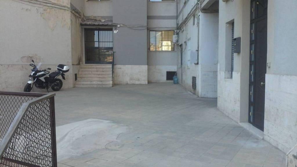 Appartamento in Vendita a Catania Centro: 3 locali, 104 mq