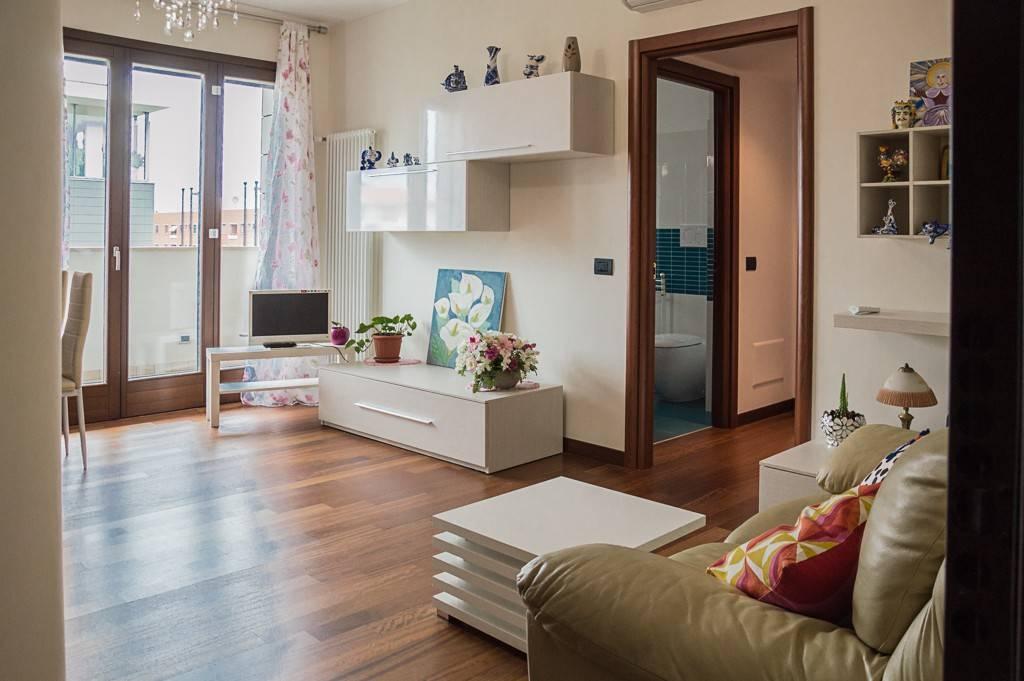 Appartamento in affitto a San Donato Milanese, 2 locali, prezzo € 1.500 | PortaleAgenzieImmobiliari.it