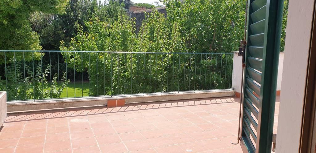 Appartamento in Affitto a Pisa Semicentro: 2 locali, 45 mq