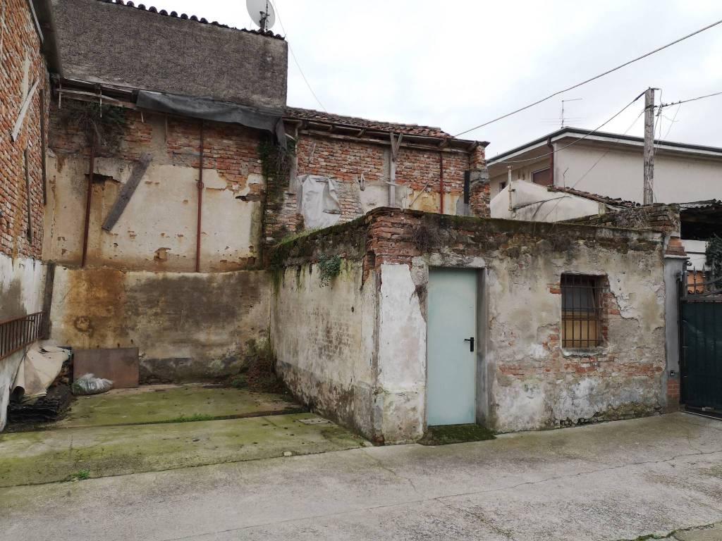Rustico / Casale in vendita a Borgo San Giacomo, 9999 locali, prezzo € 18.000 | PortaleAgenzieImmobiliari.it