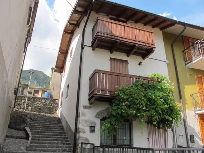 Villa a Schiera in vendita a Bracca, 4 locali, prezzo € 100.000   PortaleAgenzieImmobiliari.it