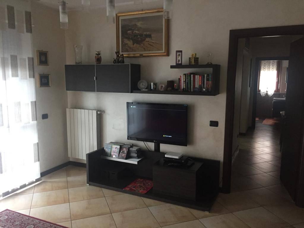 Appartamento in vendita a Peschiera Borromeo, 3 locali, prezzo € 215.000 | CambioCasa.it