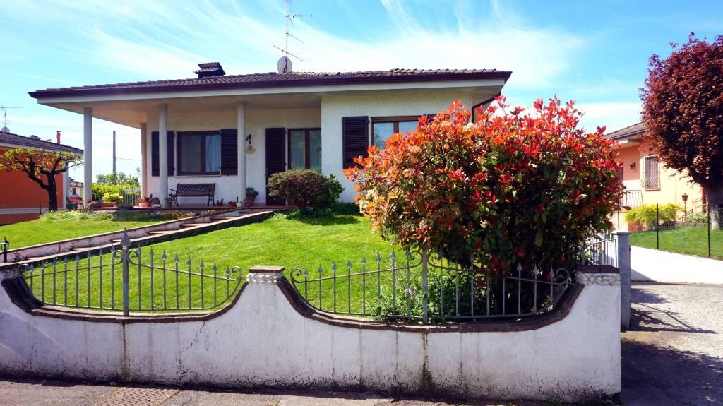 Villa in vendita a Ghedi, 4 locali, prezzo € 280.000   PortaleAgenzieImmobiliari.it