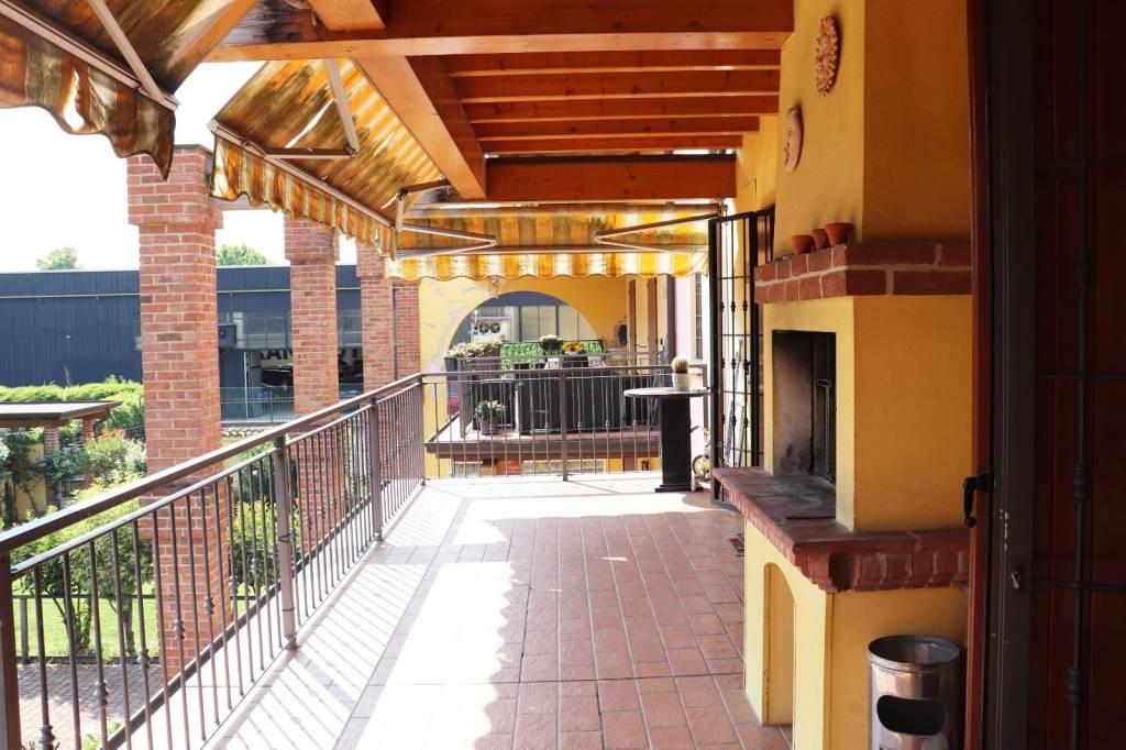 Appartamento in vendita a Calcinato, 3 locali, prezzo € 120.000 | CambioCasa.it