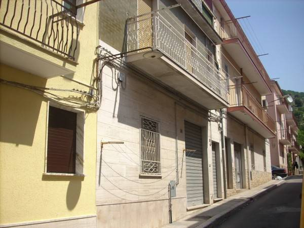 Casa Indipendente in buone condizioni in vendita Rif. 6946941