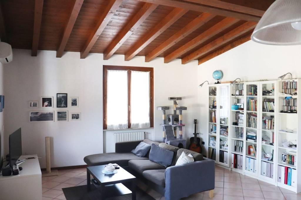 Appartamento in vendita a Calcinato, 3 locali, prezzo € 119.000 | CambioCasa.it
