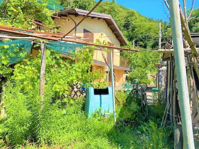 Villa in vendita a Ponte Lambro, 5 locali, prezzo € 220.000   PortaleAgenzieImmobiliari.it