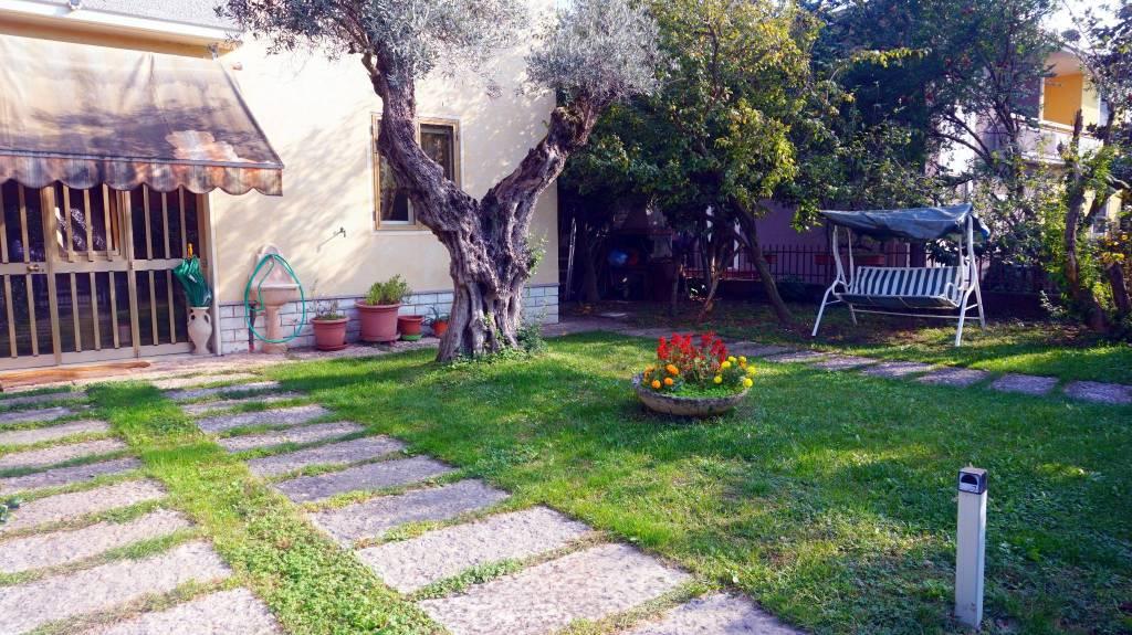Villa in vendita a Ghedi, 5 locali, prezzo € 185.000   PortaleAgenzieImmobiliari.it