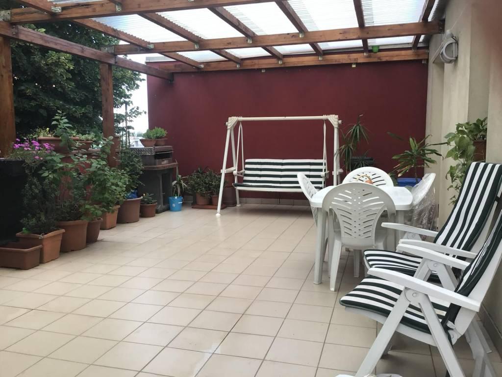 Appartamento in ottime condizioni in vendita Rif. 7991431