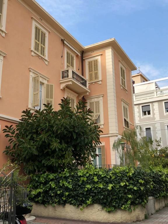Appartamento in vendita a Alassio, 3 locali, prezzo € 390.000 | CambioCasa.it