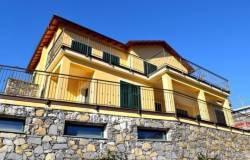 Appartamento in vendita a Alassio, 5 locali, prezzo € 500.000 | CambioCasa.it