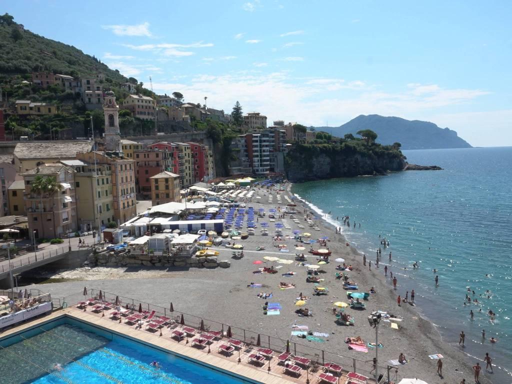 Appartamento in vendita a Sori, 3 locali, prezzo € 340.000 | CambioCasa.it