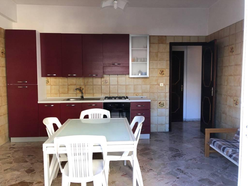 Appartamento in buone condizioni parzialmente arredato in vendita Rif. 8804737