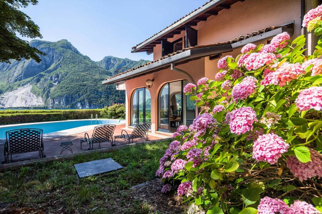 Villa in Vendita a Abbadia Lariana Centro: 5 locali, 155 mq