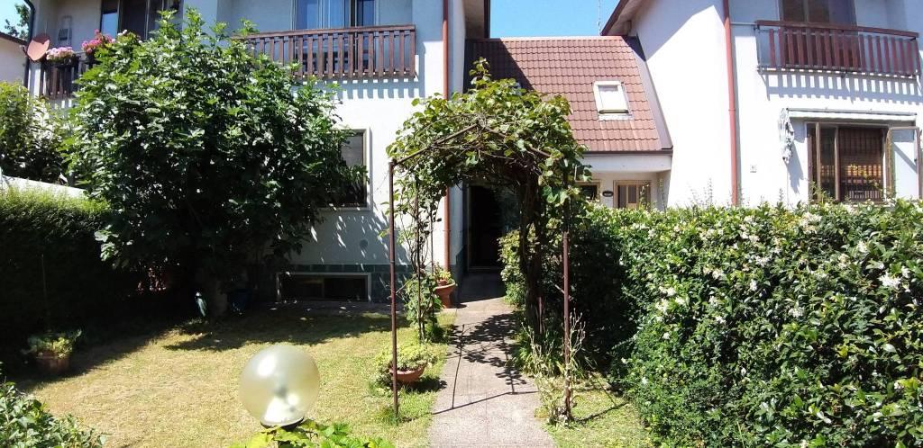 Appartamento in vendita a Dresano, 4 locali, prezzo € 200.000 | PortaleAgenzieImmobiliari.it