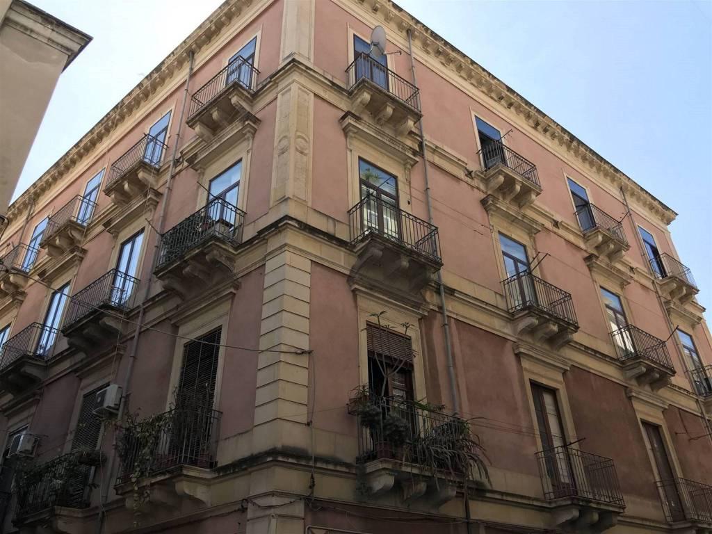 Appartamento in Vendita a Catania Centro: 3 locali, 100 mq