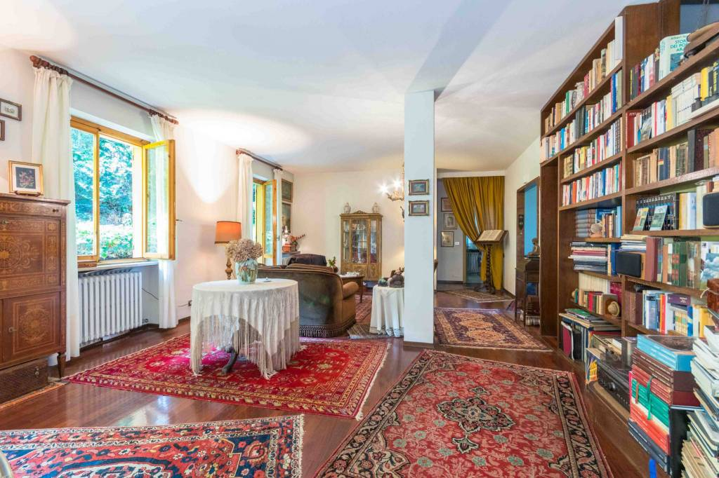 Appartamento in vendita a Pecetto Torinese, 7 locali, prezzo € 295.000 | PortaleAgenzieImmobiliari.it