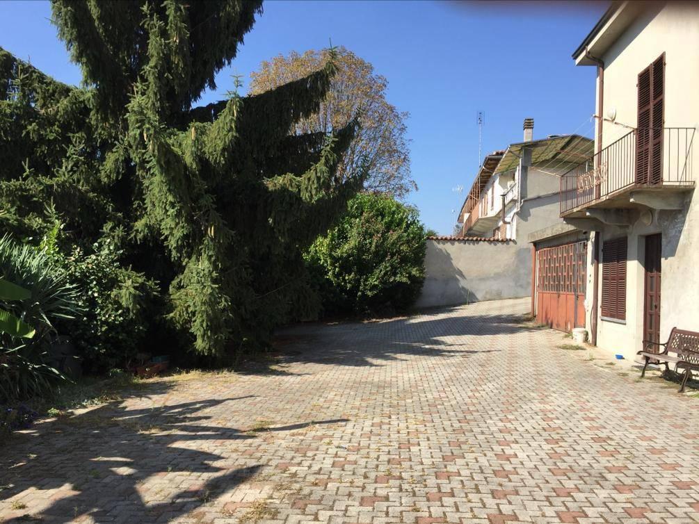 Rustico / Casale in vendita a Castagnole Monferrato, 8 locali, prezzo € 110.000   PortaleAgenzieImmobiliari.it
