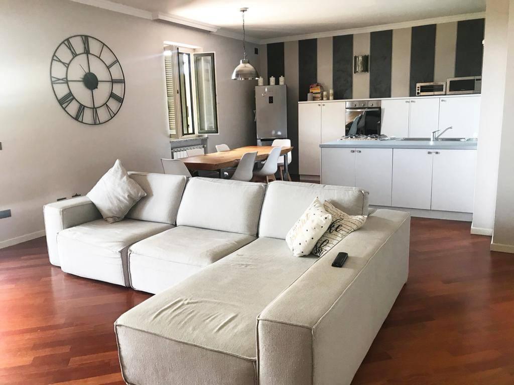 Appartamento in vendita a Calcinato, 3 locali, prezzo € 138.000 | CambioCasa.it