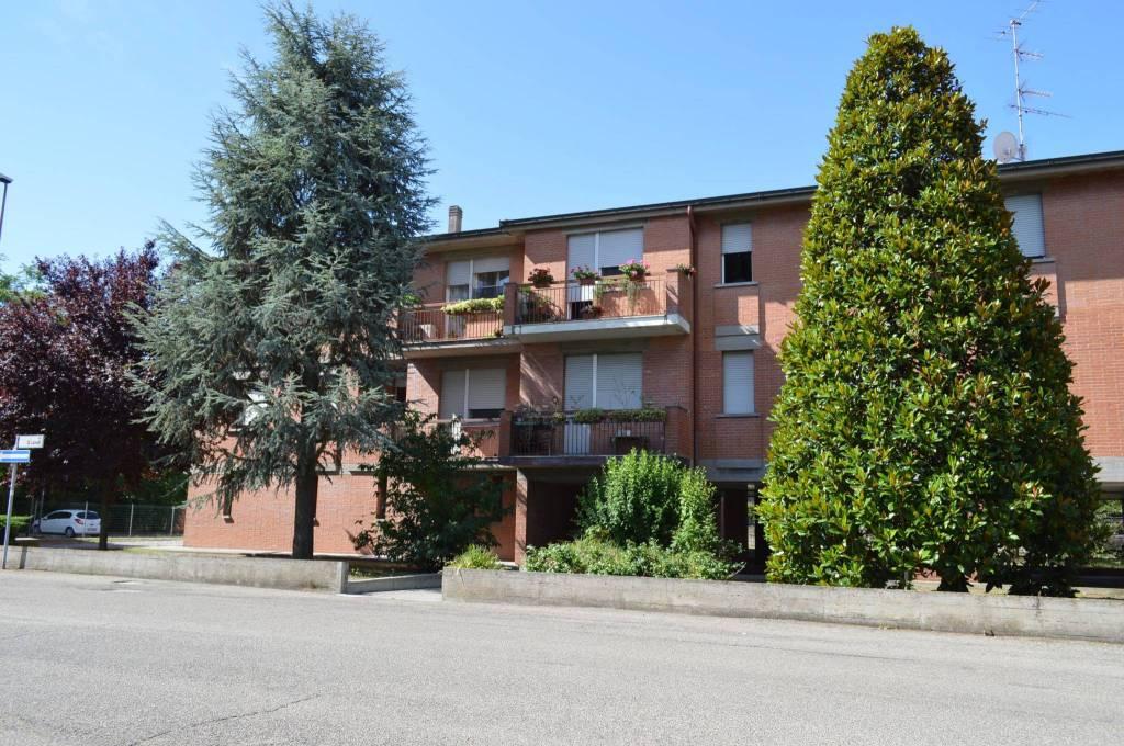 Appartamento in buone condizioni parzialmente arredato in vendita Rif. 8936788