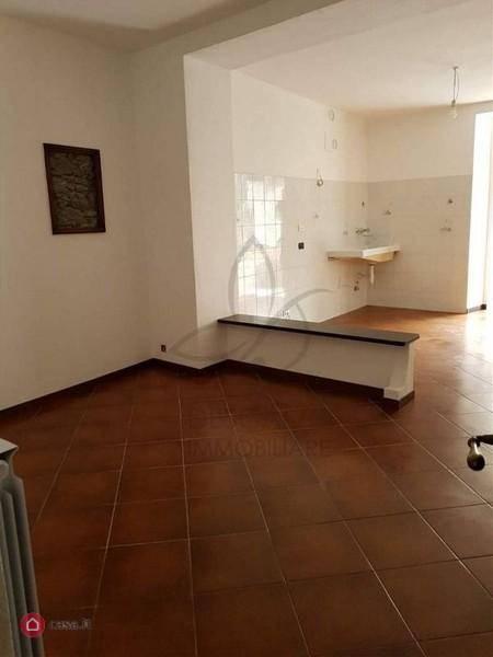 Villa a Schiera in vendita a Borzonasca, 7 locali, prezzo € 125.000 | PortaleAgenzieImmobiliari.it