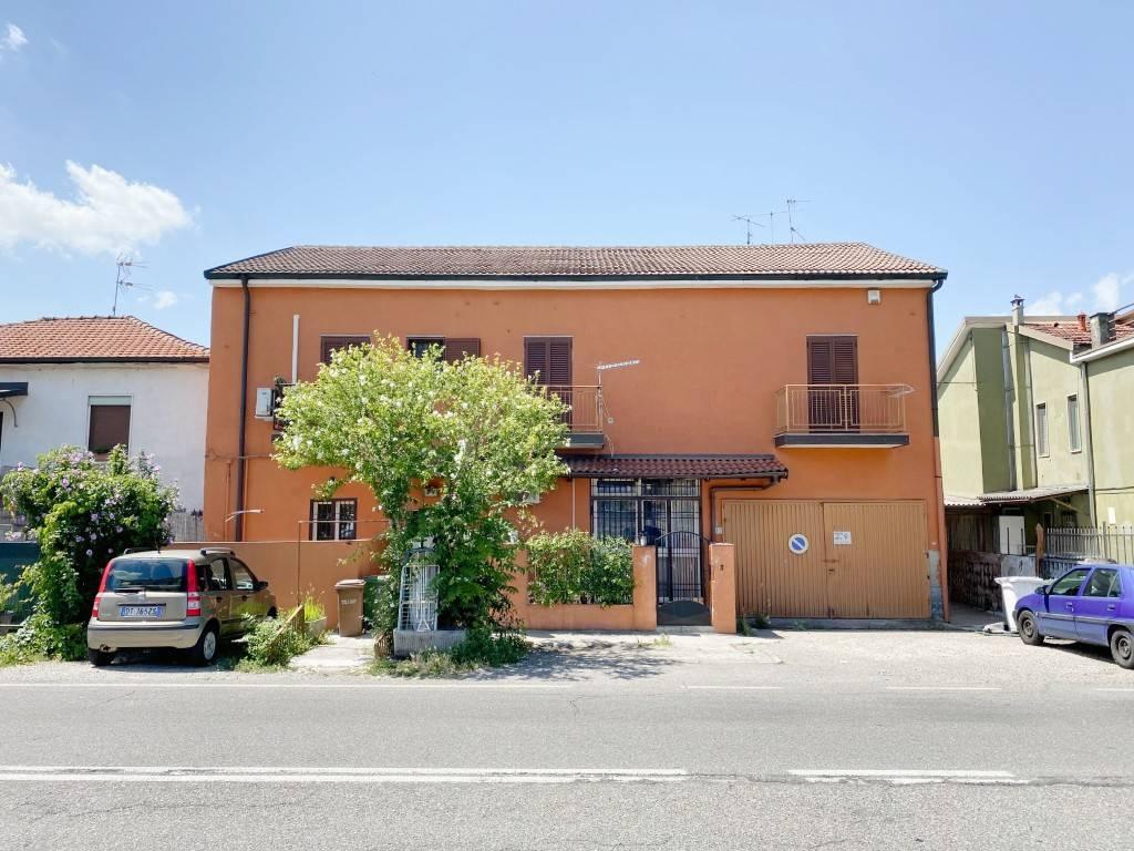 Appartamento in vendita a Rozzano, 2 locali, prezzo € 115.000 | CambioCasa.it