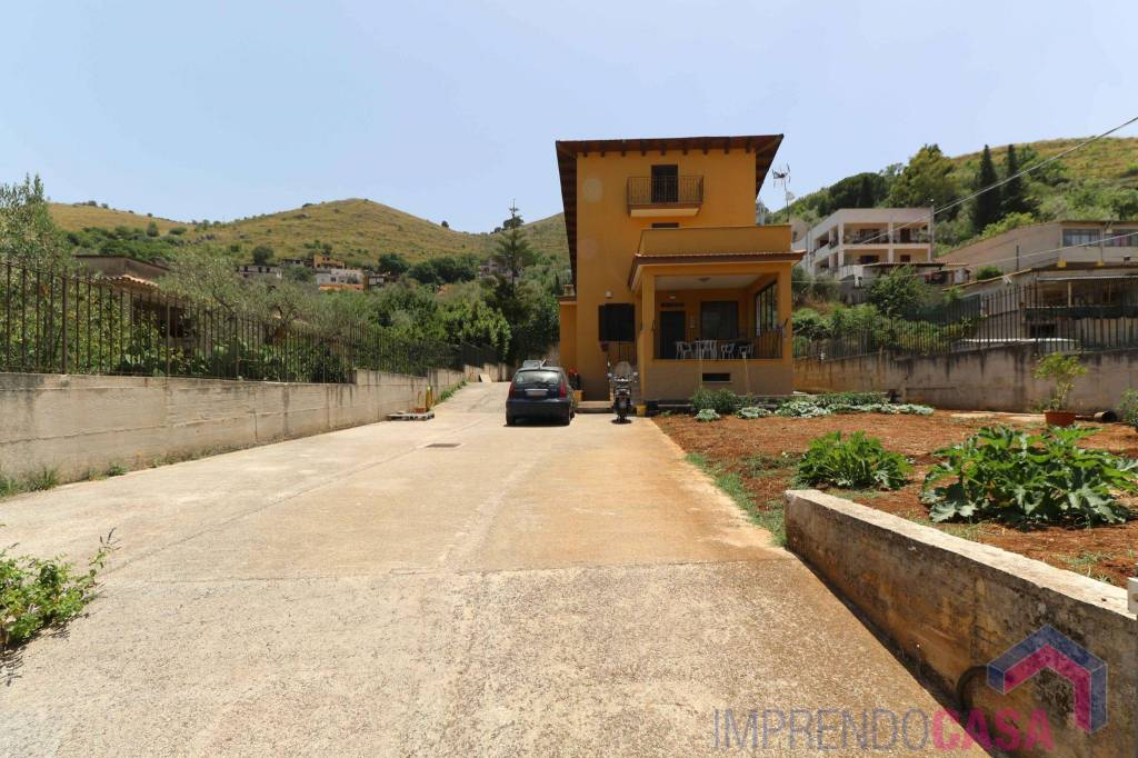 Appartamento in vendita a Monreale, 8 locali, prezzo € 230.000 | PortaleAgenzieImmobiliari.it