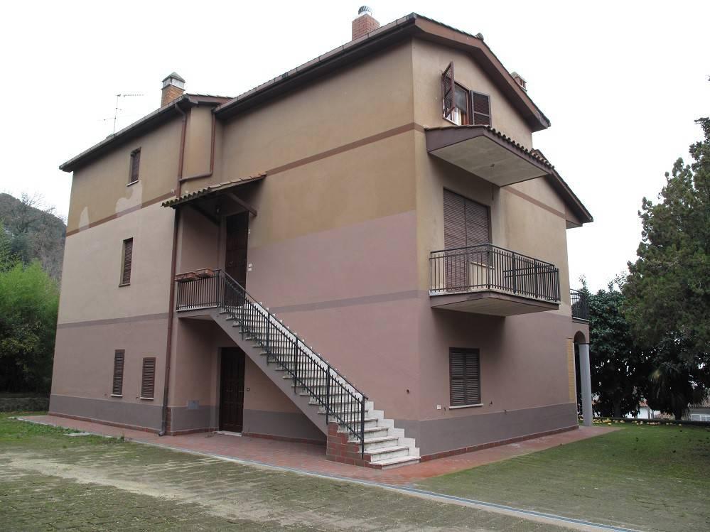 Appartamento in affitto a Sacrofano, 3 locali, prezzo € 600   CambioCasa.it
